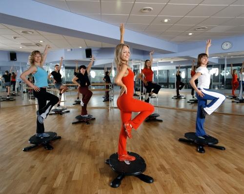 Занятия фитнесом для похудения: польза тренировок для женщин