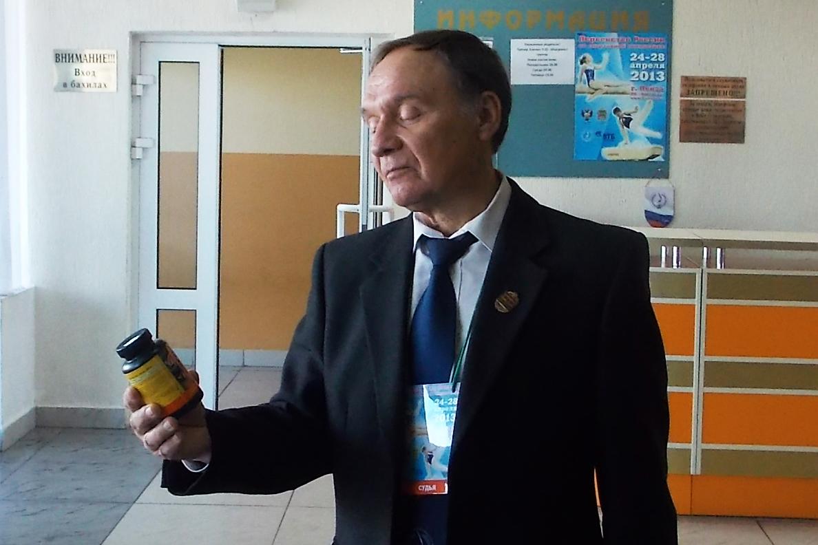 Сухов Владимир Петрович тренер по спортивной гимнастике и судья всероссийской категории Ростов-на-Дону